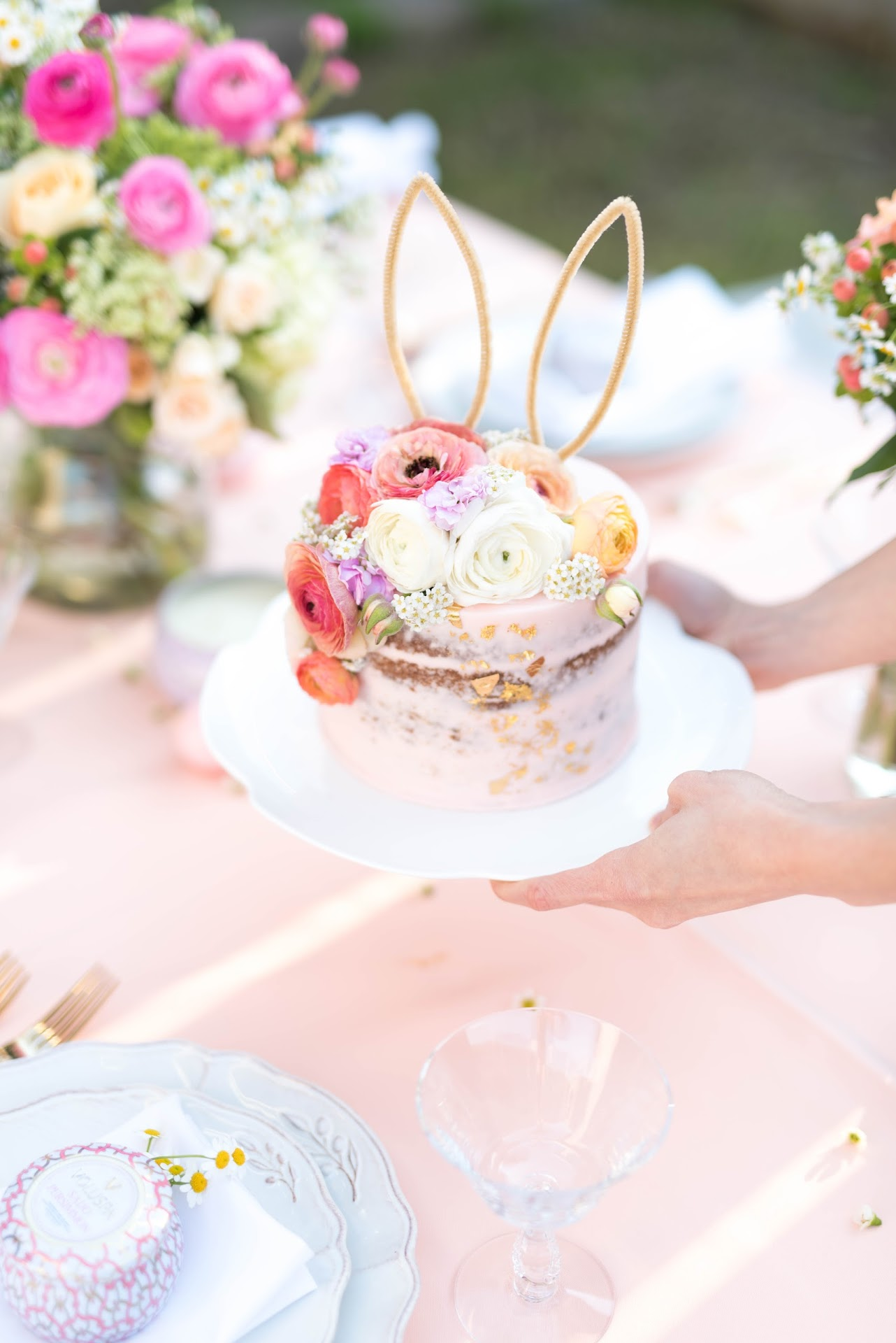 easter cake, bunny cake, bunny ears, unique easter cake, gold and pink cake, naked cake, carrot cake, peach, floral, flowers, pink and peach wedding, color theme, easter party, blogger, ideas,