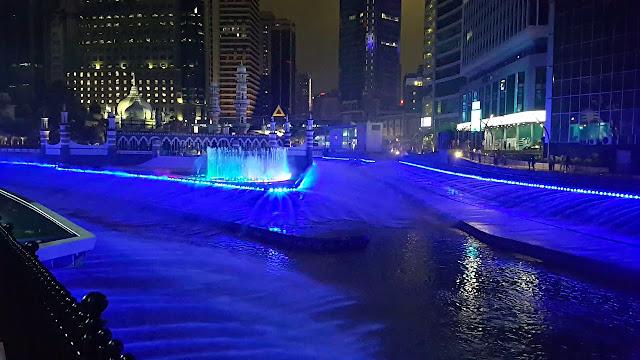 Kolam Biru River Of Life Tarikan Baru Bandar Kuala Lumpur