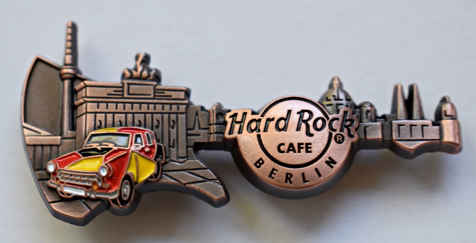 Hard Rock Cafe Hrc Pins Guitar Pins And Caps Berlin
