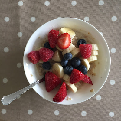 This Month I..., Monthly, Catch Up, Porridge, Healthy Porridge, Fruit, Strawberry, Strawberries, Blueberry, Bluberries, Raspberry, Raspberries, Banana, Healthy Breakfast, Healthy Breakfast ideas,