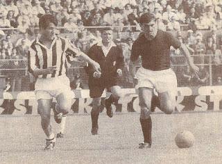 Juventus - Bologna 0-0, 17-05-1964. Bulgarelli e Sivori.