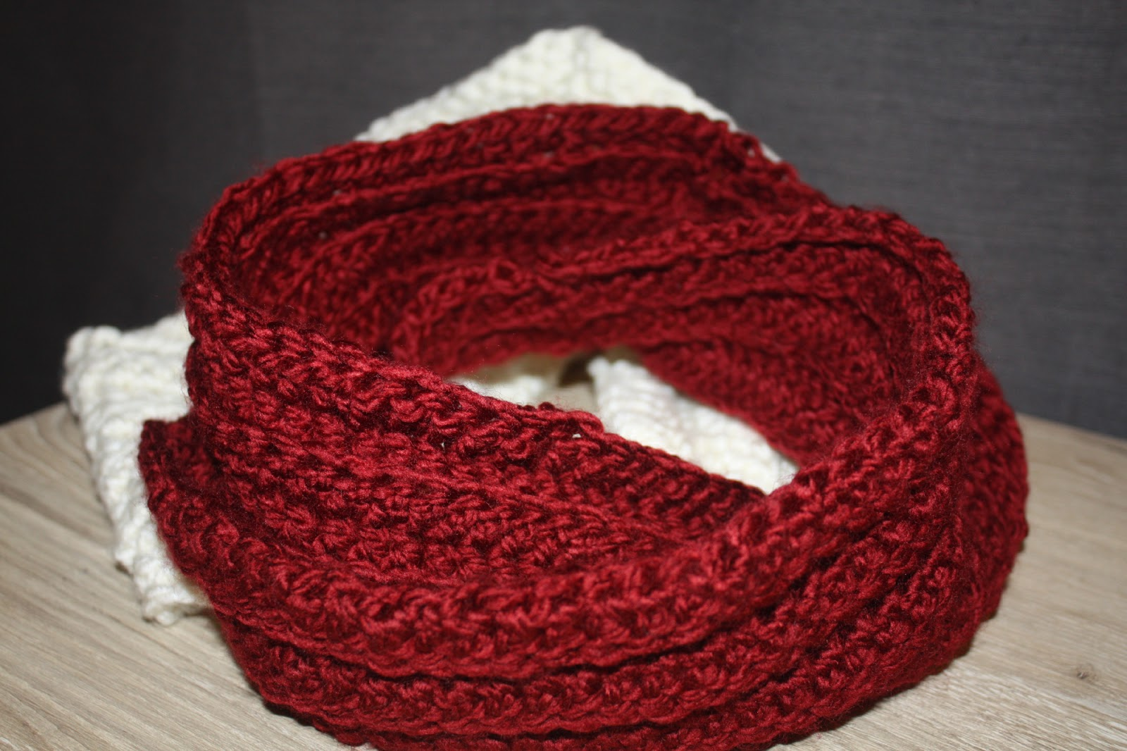 5 Awesome FREE Crochet Scarf Patterns for Beginners