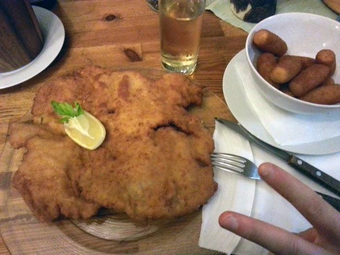 Wiener Schnitzel at Schimanko's Winzerhaus, Kahlenbergdorf