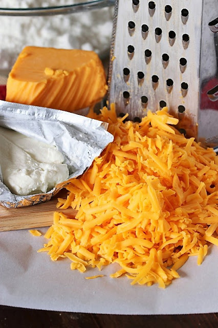 Grated Cheddar Cheese Image