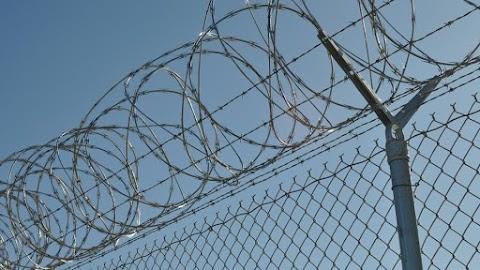 Felfüggeszthetik a börtönviszonyok miatti kártérítések kifizetését