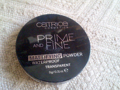 1841. Catrice Prime and Fine Mattifying Waterproof Powder matujący puder wodoodporny