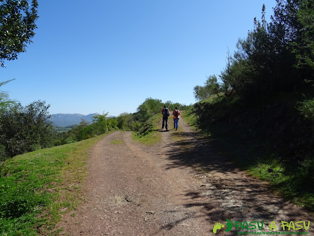 Camino a la Collá Tromeu desde Braña Tuiza