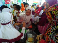 SD IT Umar bin Khattab Gelar Market Day