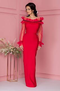 Rochie Roxana rosie lunga accesorizata cu tull si banda din strasuri si paiete