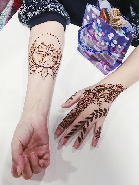 красивое мехенди на руке