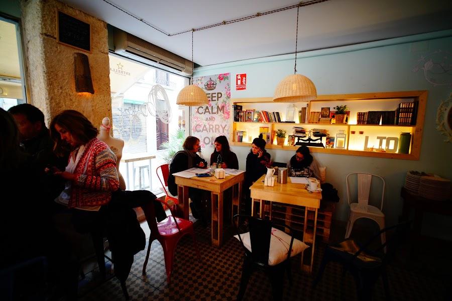 modern restaurant near Granada Cathedral