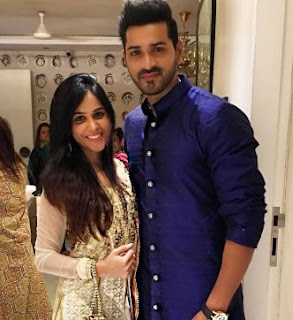 Mrunal Jain Family Wife Son Daughter Father Mother Marriage Photos Biography Profile.
