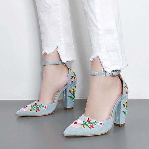 sepatu-hak-tinggi-gaya-bohemian