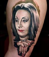 tatuaje para halloween morticia