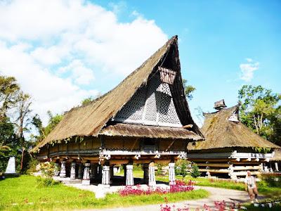 Wisata Rumah Adat Sumatra Utara