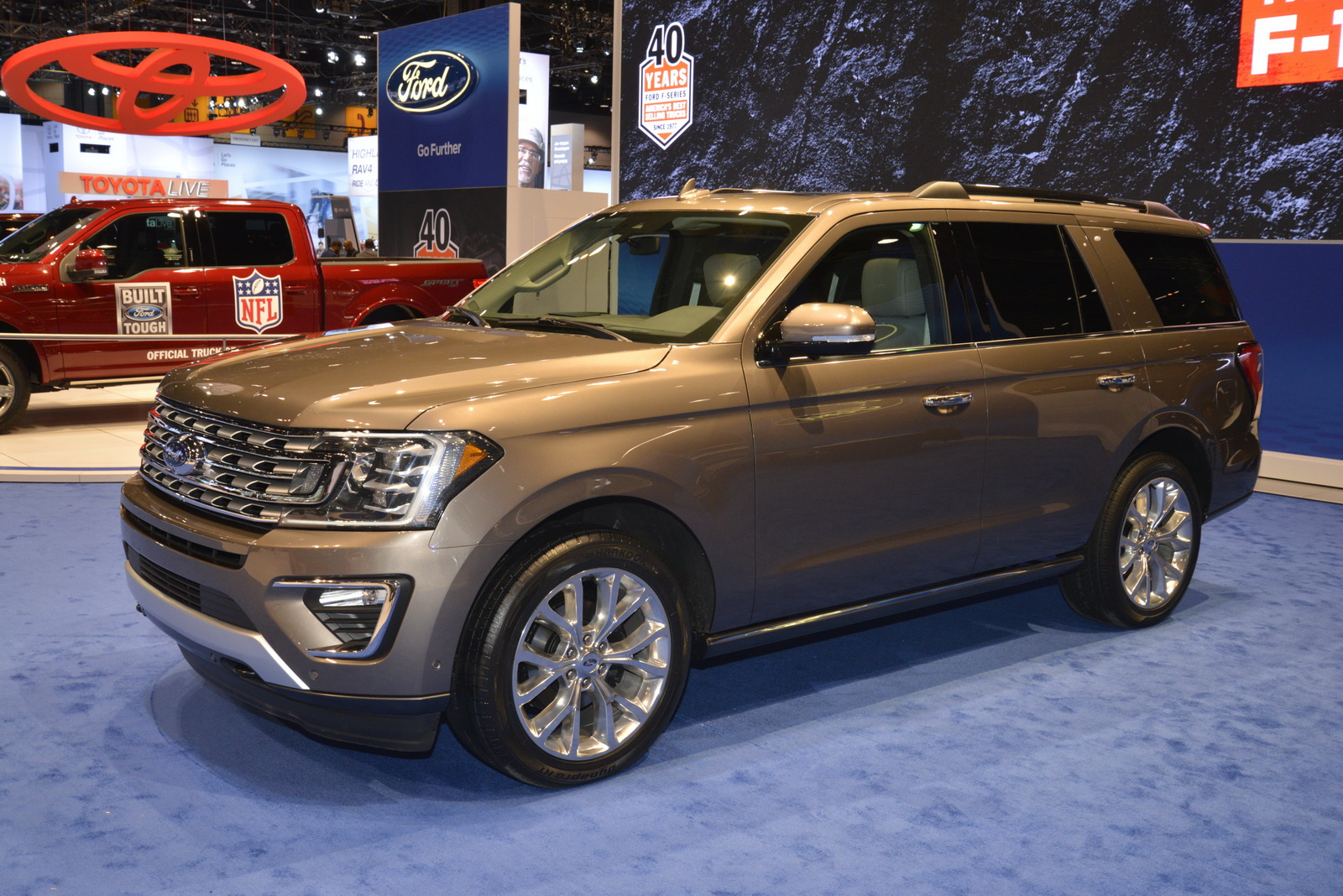 2018 ford expedition is the new big kid on the block carscoops. Black Bedroom Furniture Sets. Home Design Ideas
