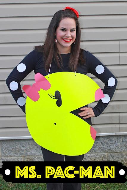 DIY No Sew Pac-man Family Costume , DIY Pac-man Family Costume, No Sew Pac-man Family Costume, DIY Pac-man Costume, No Sew Pac-man Costume, Halloween costume, DIY Halloween Costume, costume, costumes, easy costume, last minute costume, last minute family costume, last minute halloween costume, no sew ms. pac-man, poster board costume, poster board craft, poster board ms. pac-man, Ms. Pacman, Ms. Pac-man, Ms. Pac-man costume