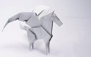 gấp giấy origami con ngựa có cánh
