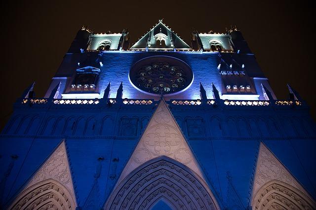 Illuminations Saint-Jean pendant la fête des lumières