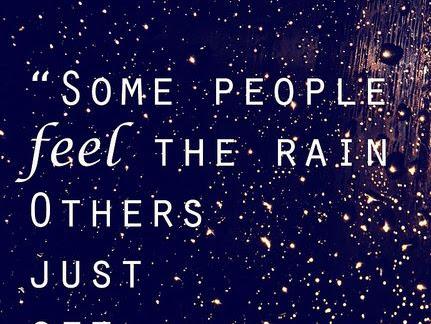 Male stvari: nas troje, more i kiša