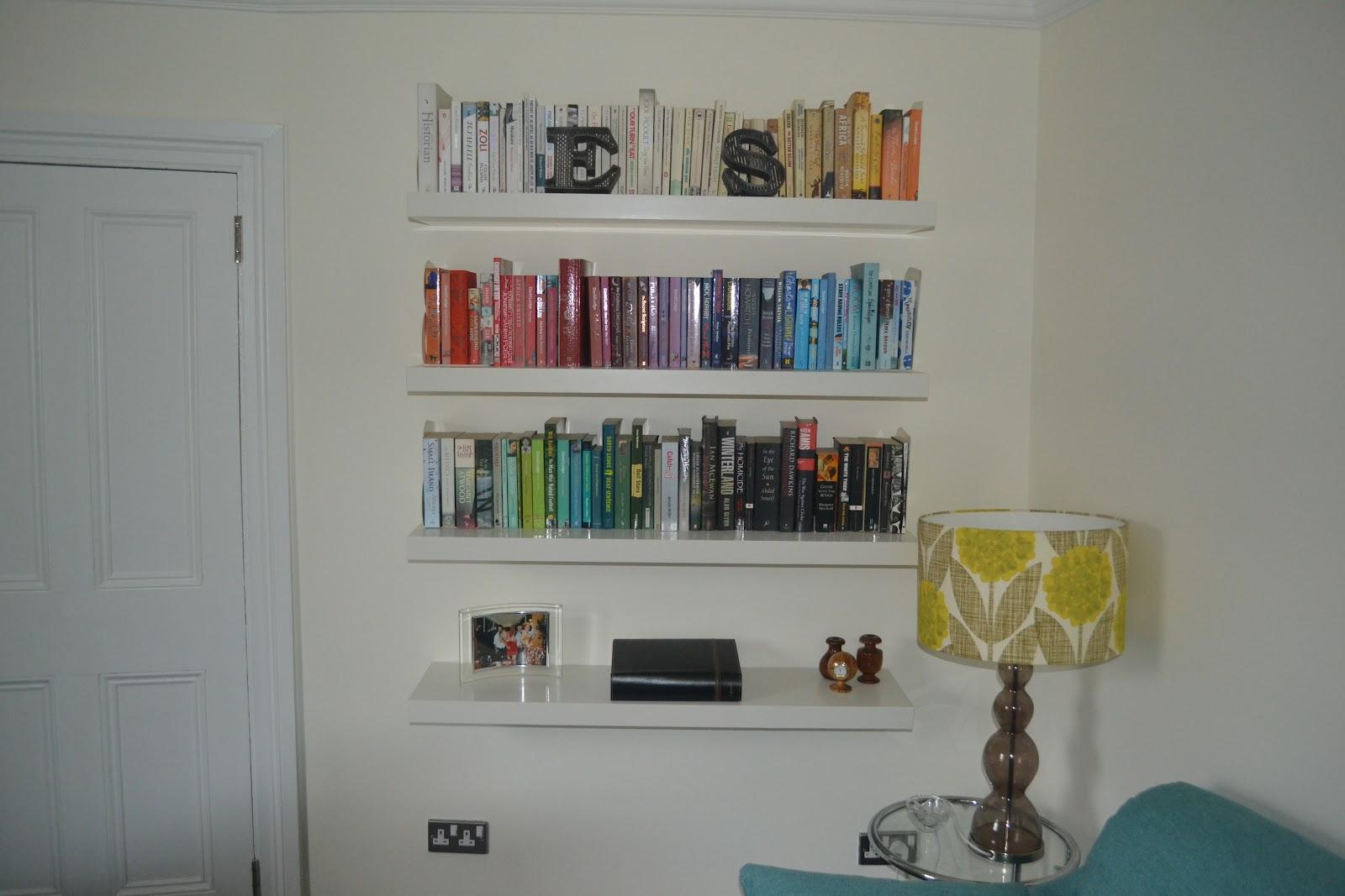 Mo theach: Look book: Colour-co-ordinated shelves