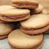 Λαχταριστά μπισκότα βουτύρου με γέμιση πραλίνα σοκολάτας (video)