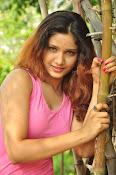Aarthi glamorous photo gallery-thumbnail-16
