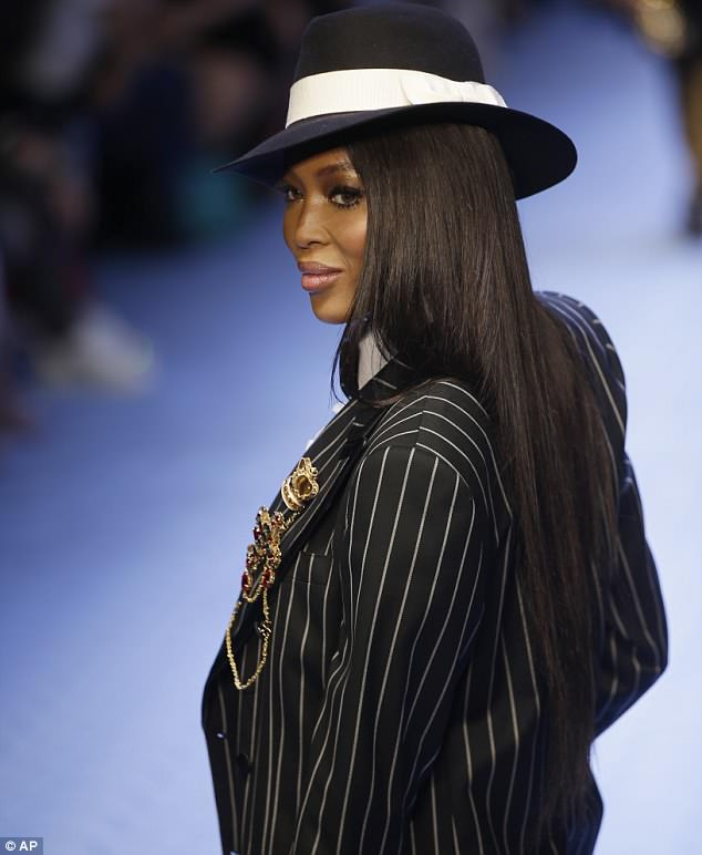 DOLCE And GABBANA's MFW: Naomi Campbell Stuns In