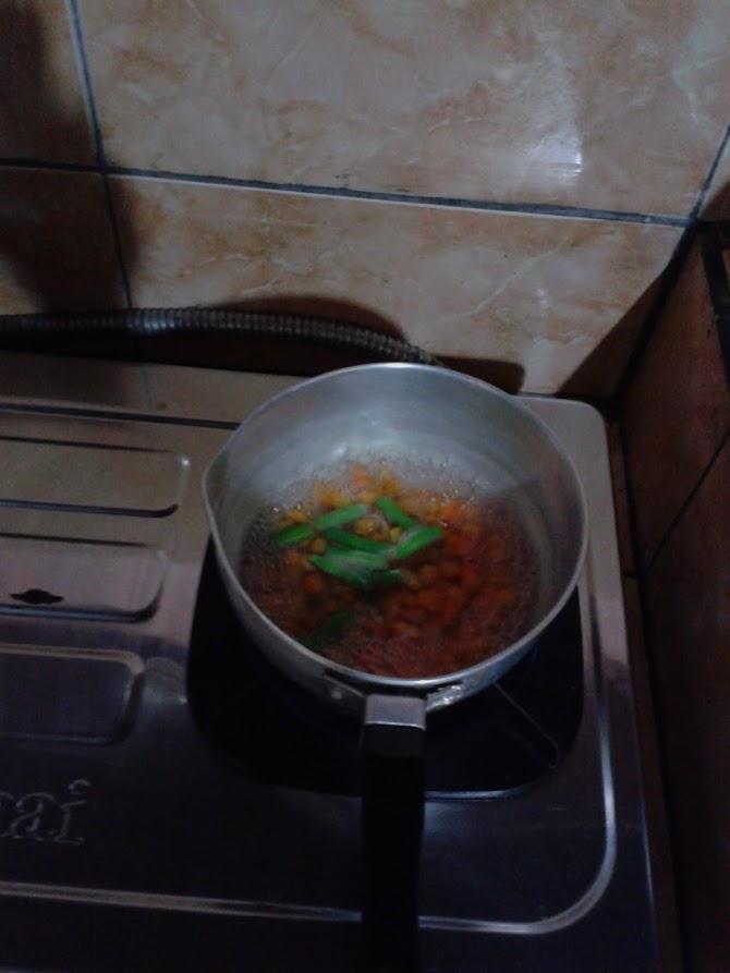 Membuat Makanan Pendamping ASI (MP-ASI)