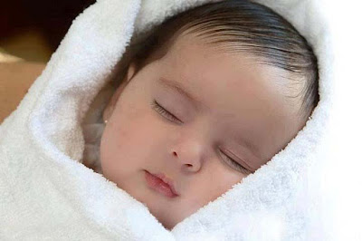 Cute-Sleeping-Child-wallpapers