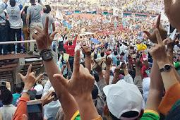 Ratusan Ribu Massa Sambut Prabowo - Sandi Dengan Sholawat Badar Di Sidoarjo