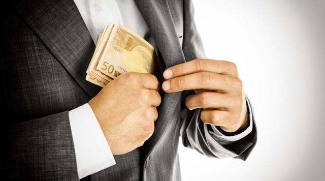 Προσοχή: Καλοντυμένοι απατεώνες απέσπασαν χρήματα από ηλικιωμένη στο Ναύπλιο