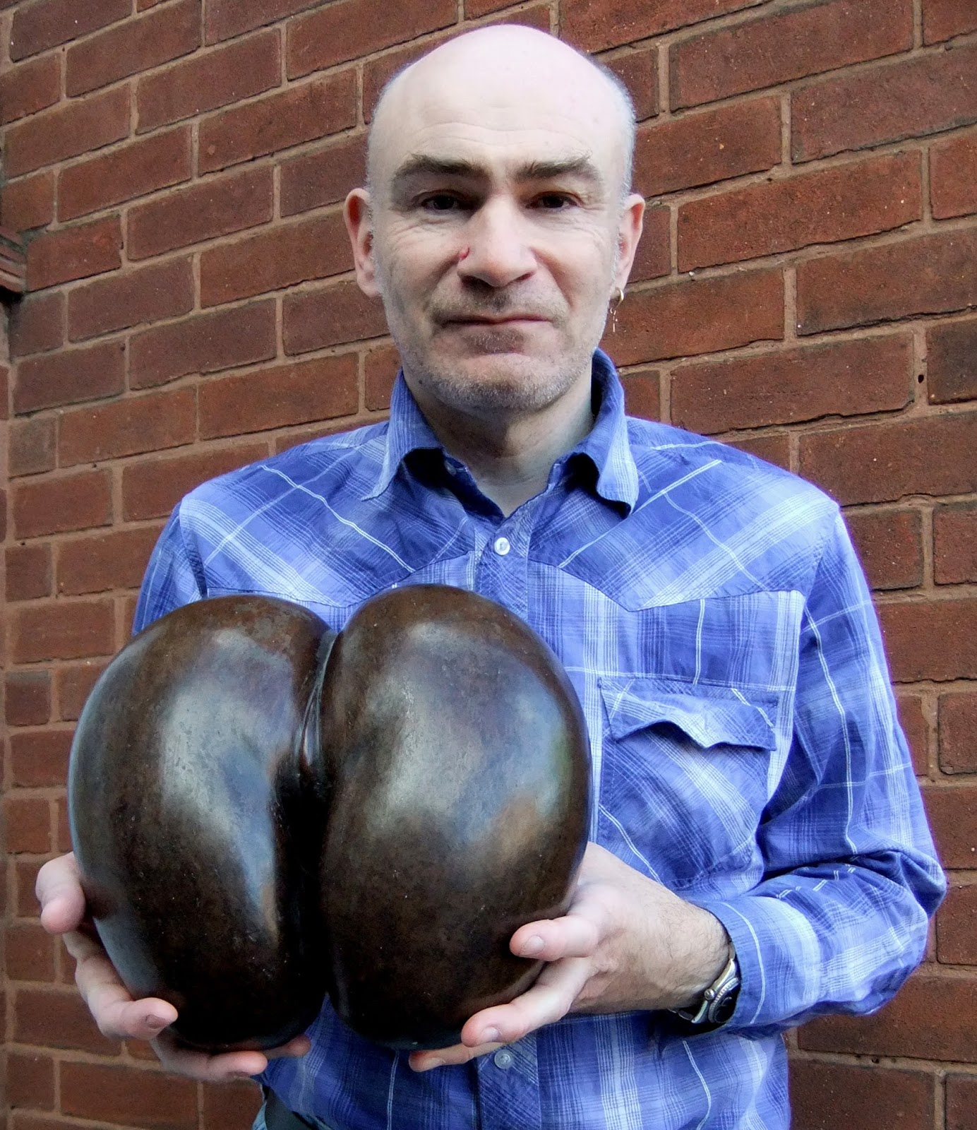 Shukernature General Gordon And The Tree Of Knowledge A Botanical Creative Science Centre By Dr Jonathan P Hare Holding Dehusked Hollow Coco De Mer Seed Or Double Coconut Karl Shuker