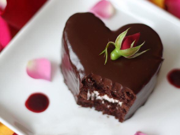 torta al cioccolato a forma di cuore dolci san valentino biscotti forma cuore dolci a forma di cuore macarons a forma di cuore decorare dolci san valentino san valentine's day sweets