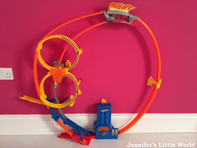 Hot Wheels Super Looper Track Set review