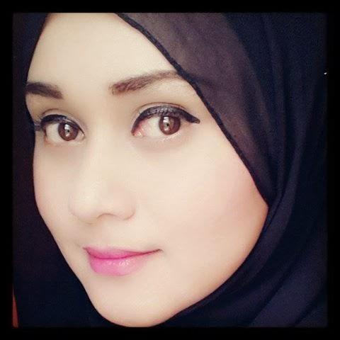 Koleksi Foto Gadis Melayu Pamer Memek Pic 3 of 35