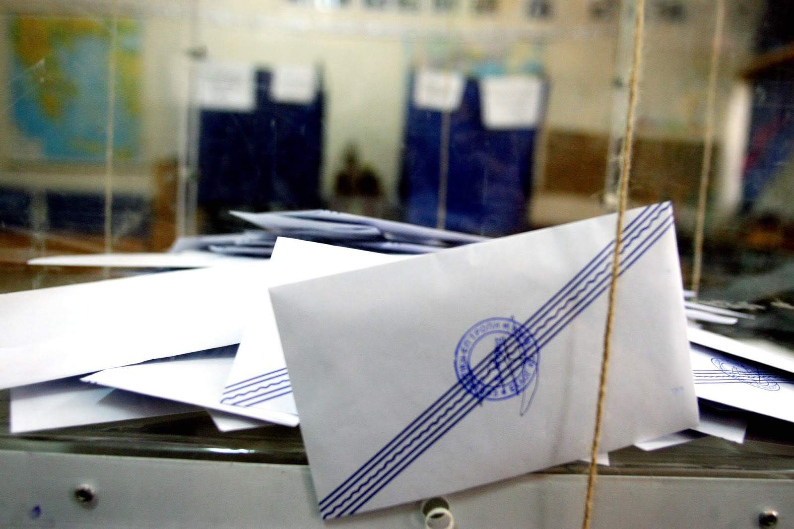 Δημοσκόπηση ALCO: Ποια κόμματα μένουν εκτός Bουλής -Τι λέει για τους δημοσίους υπαλλήλους