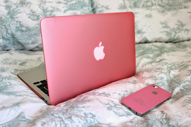 Apple MacBook Air 11-inch Blog Pink iPhone 5s Case