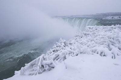 Niagara Falls Partially Frozen planet-today.com