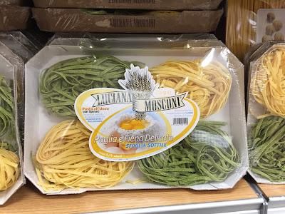 Paglia e fieno. Straw and hay pasta.