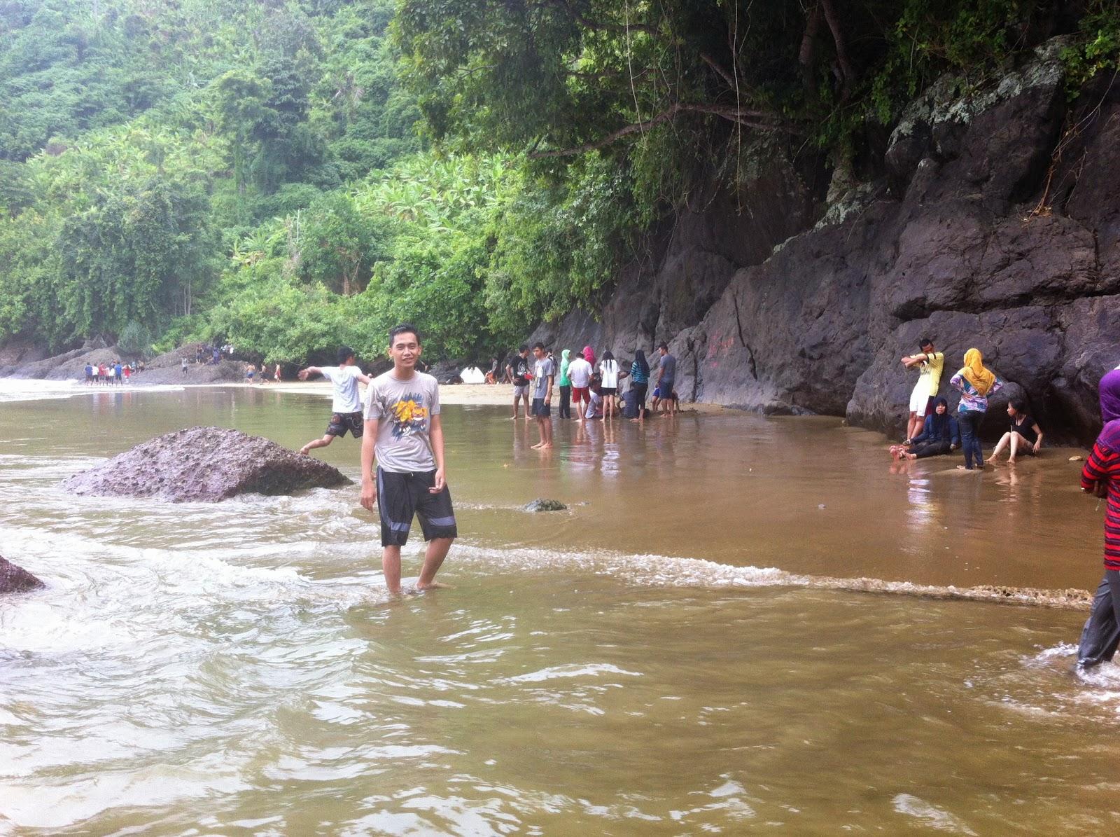 Trip to Pantai Lenggoksono - Bolu Bolu - Banyu Anjlok, Malang