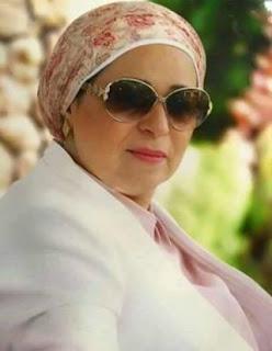 السيدة انتصار قرينة الرئيس السيسي تزور الفنانة القديرة نادية لطفي في المستشفى