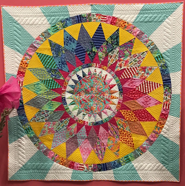 Quilt Villa: Tula Pink ein farbenfrohes Erlebnis - Teil 2