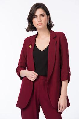 bordo ceket için bayan kombini