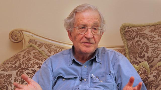 Noam Chomsky explica por qué el miedo juega un papel muy importante en el mundo de hoy