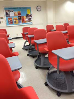 Resident Astronomer, at first blog class, is surprised by New classroom chair design supports rapid rearrangement