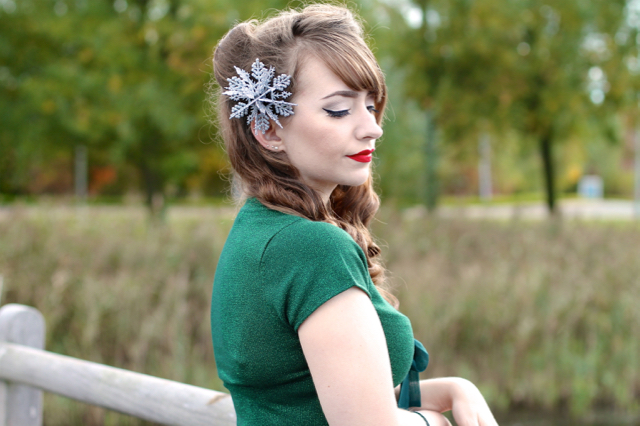 Pin-up style snowflake hair fascinator