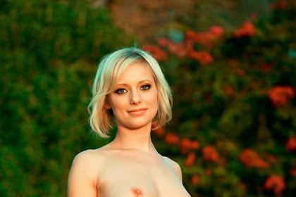 Убойная модель Playboy Amanda (15 фото 18+)