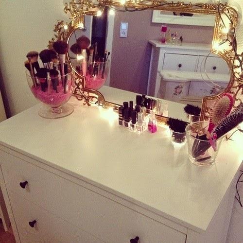 Como decorar o cantinho de maquiagem