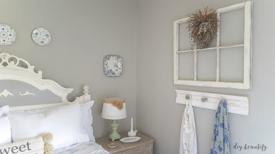 Blue and white in the guest room   diy beautify